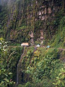 450px-Bolivia_Yunga_Road